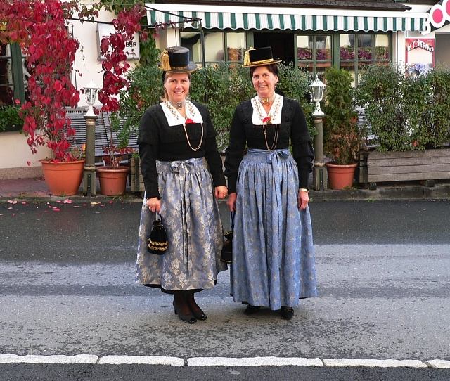 Summer-Traditional Outfits - Bräuwirt